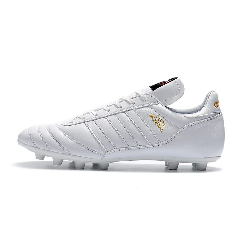 Botines Futbol Adidas Copa Mundial FG para Hombre Blanco Dorado Ampliar.  Anterior. Siguiente 77641dc4c019f